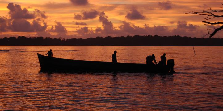 sunset boat arrival.web.pg1